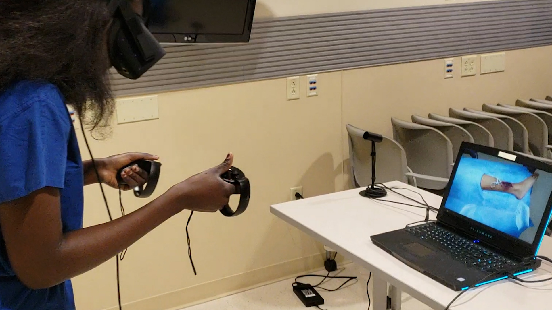 Medical dissection in virtual reality for students