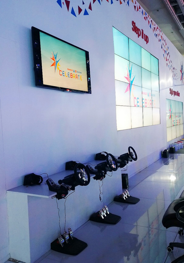 Automotive trade show booth exhibit Oculus Rift virtual reality VR experience application